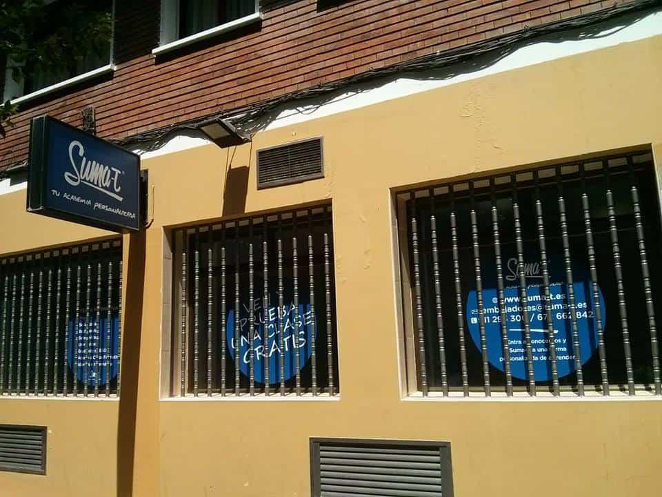 La fachada de nuestra academia en Embajadores